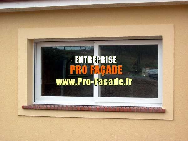 Encadrement simple en relief sur une façade à breuil le sec 60