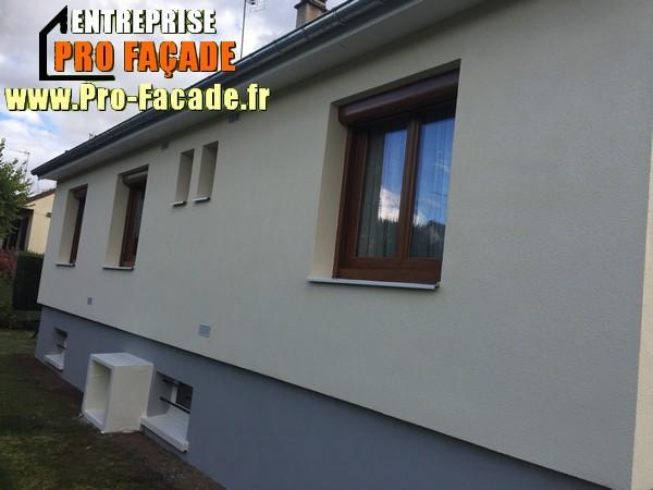 Chantier de restauration d'une façade isolé par l'extérieur sur Gouvieux 60270 après