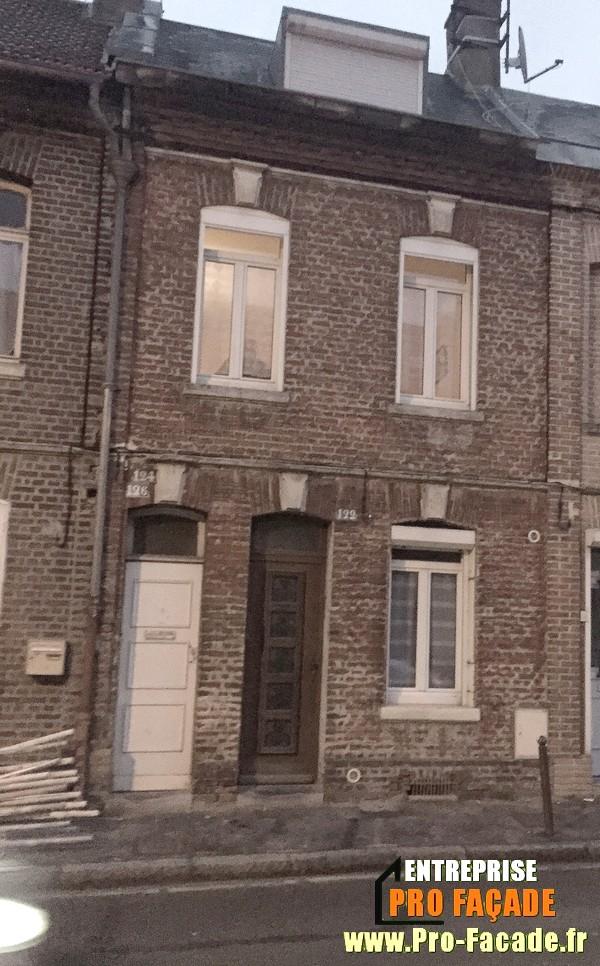 Chantier de rejointement façade en briques sur Amiens 80000 avant