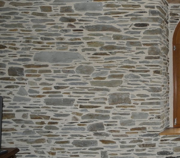 rejointement façade en pierre finition lissé