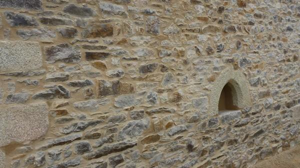 rejointement façade en pierre finition brossé